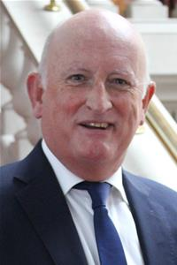 Profile image for Derek Murphy